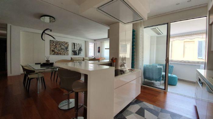 Realizzazioni > Edifici Plurifamiliari > infissi di lusso per attico P&G