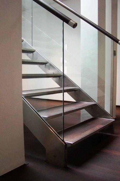 Prodotti > Scale > in ferro inox e vetro