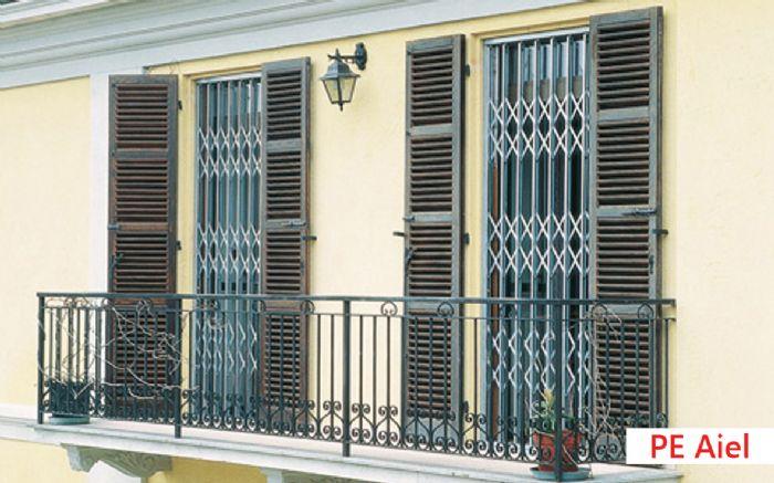 Grate e cancelletti estensibili ed apribili per finestre e porte a ravenna pellegrino srl - Hermes porte e finestre srl ...